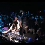 Young Juvenile Youth、Licaxxx、Iori、Monkey Timers、Dazzle Drumsが出演した、Ray-BanとBoiler Roomのコラボイベント「RB × BR-UNPLUG #023 TOKYO」のムービーが公開